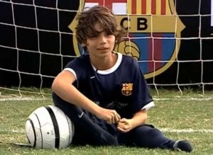 Gabriel, gioca a calcio senza piedi